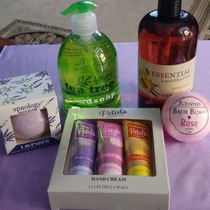 NEW!!! LOVELY BATH PRODUCTS SET!!!
